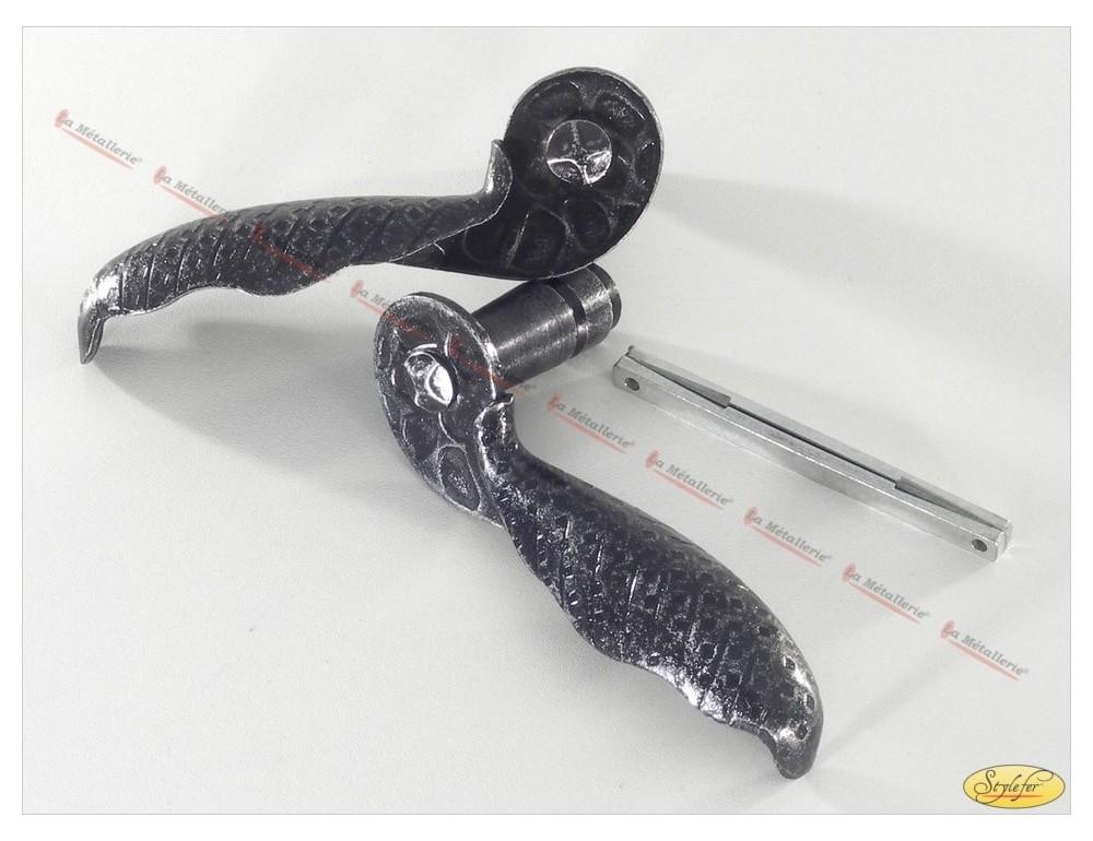La m tallerie ap25 poign e en fer forg for Poignee de porte en fer forge